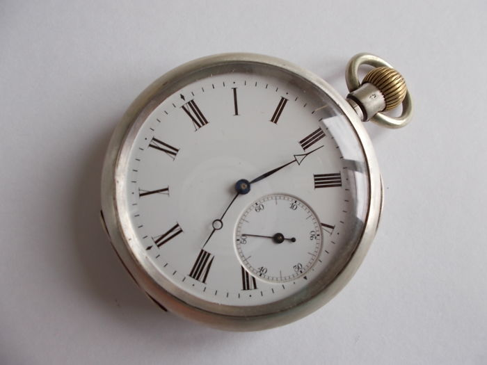 WWI big pocket watch — 1901-1949