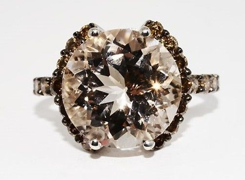 6.40ct. Ring with morganite and diamonds -no reserve price- ring size 56