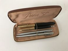 Set of two open and two Parker Sheaffer pens