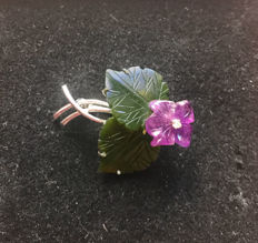 Bouquet of flowers brooch consisting of amethyst flower and jade leaves and diamond made of 585 / 14 kt white gold, circa 1950