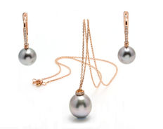 Tahitian Pearlset Featuring 0.36Ct VS-G Diamonds crafted in 18K Rose Gold and 3 Lustrous Tahitian Pearls