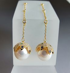 Gold-plated sterling silver  culture pearl earrings Weight : approx 8.3 g