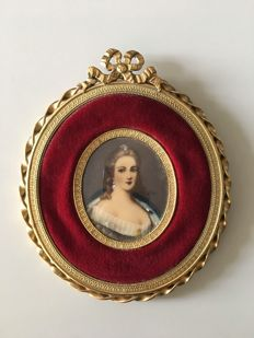 French miniature portrait with velvet and brass bow frame - ca. 1925