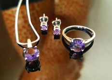 Four-piece jewellery set with Russian amethysts