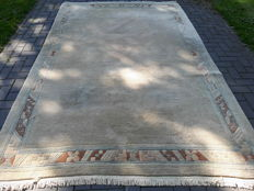 Lovely Hand-knotted Oriental rug - Nepalese  307cm x 202cm With certificate!