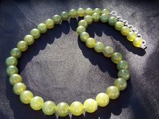 Natural green fine Canadian Jade Nephrite stone necklace, 925 silver hook, ca. 1970's