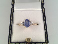 Ring with natural sapphire and diamond, 0.12 ct