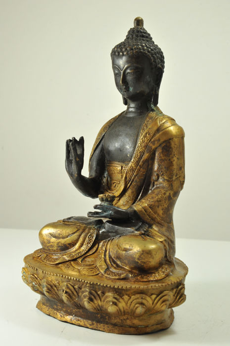 Giant seated Buddha Statue -Bronze  - China - late 20th century