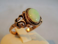 Victorian rose gold ring with full opal