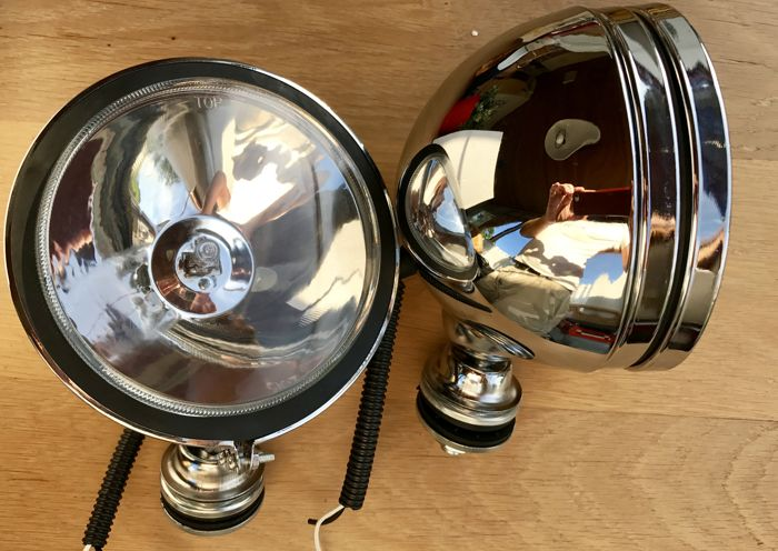 A set of Large Retro Rally Spotlights, 15 cm in diameter