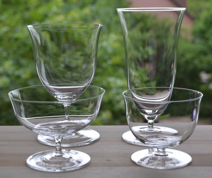 "J. & L. Lobmeyr - 4 glasses ""The Patrician"" - design Josef Hoffmann"
