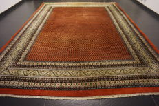 Magnificent hand-knotted oriental palace carpet, Sarough Mir, 290 x 390 cm, made in India, excellent highland wool