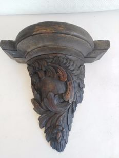 Antique richly carved oak wood capital to lay beams - Italy, early 19th century