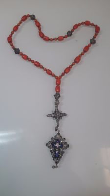 Vintage rosary with pendant made of silver, coral and enamelled motifs