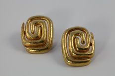 Ilias Lalaounis - handcrafted 18K yellow gold meander earrings, Dimensions: 2,8cm height x 2,2cm width