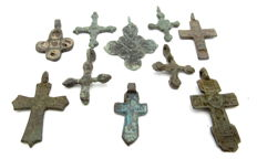 Very Fine Selection of 10 Medieval / Post Medieval Cross pendants - 23-33 mm (10)
