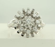 18 kt white gold ring set with 9 old single cut diamonds, in total approx. 0.17 ct, ring size 17.25 (54)
