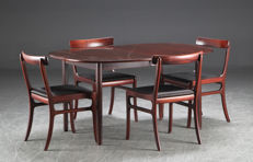 "Ole Wanscher for P. Jeppesen Møbelfabrik – vintage extendable table and four chairs, ""Rungstedlund"" collection"