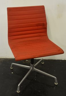 Charles & Ray Eames for Herman Miller – 'EA 107' desk chair