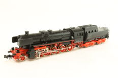 Minitrix N - 51 2051 00 - Steam locomotive with tender BR 52 of the DB