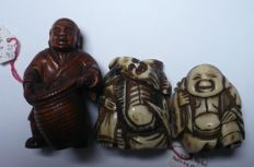 Netsuke (3) lot. 2 in horn, 1 in bow tree - Japan - mid-20th century and 18th/19th century