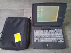 Compaq Contura 400 vintage notebook - Intel 486/DX2 40Mhz CPU, 8MB RAM, 520MB HD, Windows 95 - with original bag & charger
