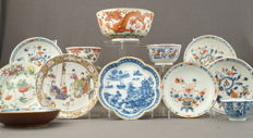 Porcelain, consisting of 12 pieces – China – 18th and 19th century