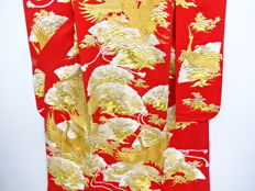 Uchikake bridal kimono embroidered with auspicious designs of cranes and fans - Japan - Second half 20th century