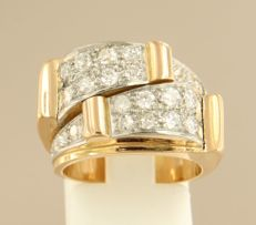 18 kt bi-colour gold ring set with 24 old Amsterdam cut diamonds, approx. 1.15 ct in total, ring size 16.5 (52)