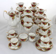 Royal Albert Old Country Roses Tea & Coffee Service - 6 Place Settings - 33 Items