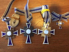 Set of 3 mother crosses and 1 miniature
