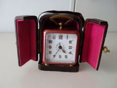 Art Deco travel alarm clock with alarm, complete in case - period around 1925