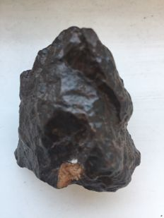 Unclassified meteorite chondrite - 141 gm - 5 x 4 x 3 cm