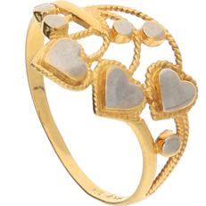 10 kt Yellow gold ring with white gold details consisting of hearts and circles – Ring size: 18 mm