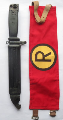 Russian/GDR black AK-47 bayonet with sheath + NVA Regulierer Kradmelder bracelet - Cold War period