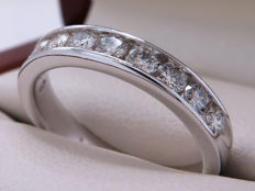 White gold diamond half eternity ring with 0.825 ct – Ring size: 16.71 mm ** No Reserve Price **