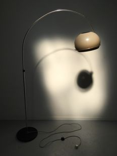 Gepo – Arch lamp