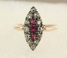 18 kt gold marquise ring set with ruby and rose cut diamonds in total approx. 0.30 ct, ring size 17 (53)