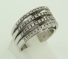 18 kt white gold ring set with 60 brilliant cut diamonds, approx. 0.60 carat in total, ring size 17.5 (55).