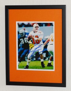Peyton 'The Sheriff' Manning original signed photo - Deluxe Framed + COA Mounted Memories