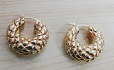 Hoop style earrings in 18 kt yellow gold – diameter of hoop 3 cm