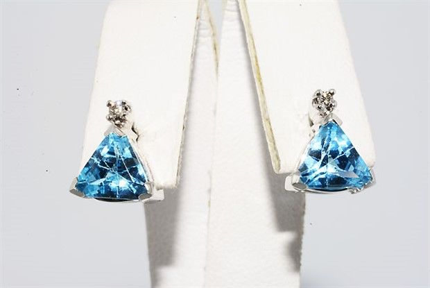Gold earrings with 3.06 ct topaz & diamonds