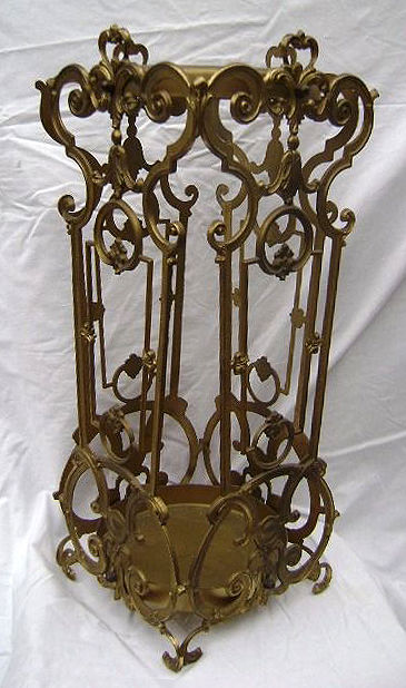 Beautiful and decorated Italian umbrella stand, first half of 20th century
