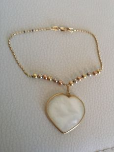 Bracelet in 3 colours of 18 kt gold and mother-of-pearl heart – length: 18 cm