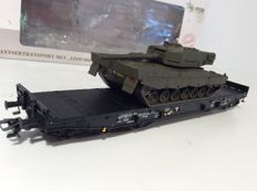 Märklin H0 - 48717 - 4MFOR Heavy-load carriage with Dutch battle tank 'Leopard 2'  (1617)