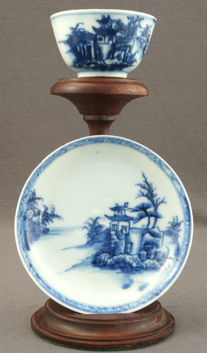 'The Nanking Cargo', Christie's, cup and saucer with very refined landscape decoration – China – 1752