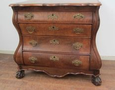Burr-walnut veneered chest of drawers - the Netherlands - circa 1800