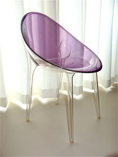 Philippe Starck en Eugeni Quitllet voor Kartell - Mr. Impossible, stoel