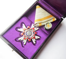 Japanese order of the secret treasure 5th Class - WW2.