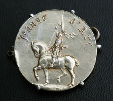 Medal of Jeanne d'Arc double-sided in silver with punch